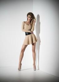 性感短裙美女写真图片