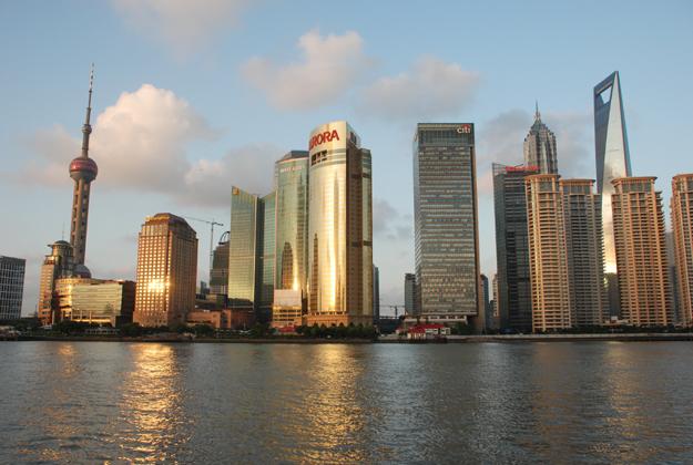 城市海边建筑图片