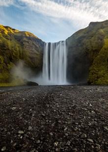 自然瀑布垂直水流图片素材