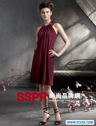 浪漫的复古 LAZARO08秋冬礼服设计