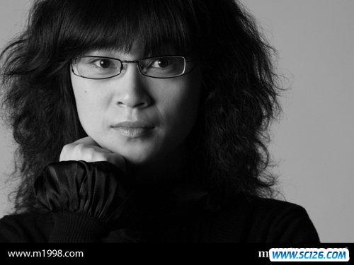 会生活才会设计 访著名电影海报设计师张瑜新