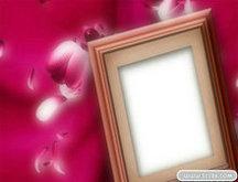 粉色花瓣相框PSD模板