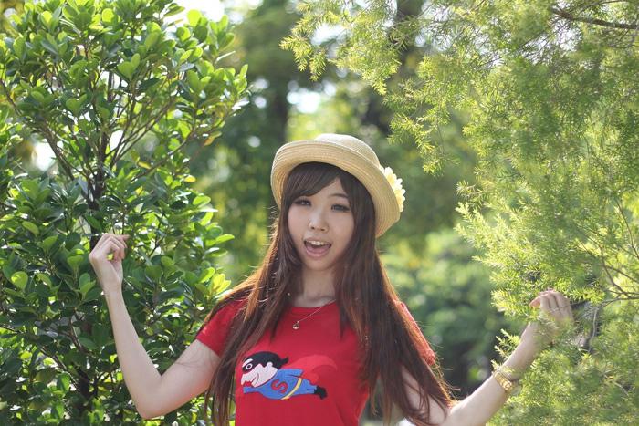 ps给树林中的女孩加上小清新的绿橙色
