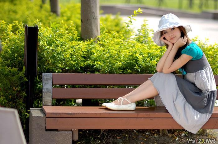 ps给公园美女图片加上唯美的淡调青紫色