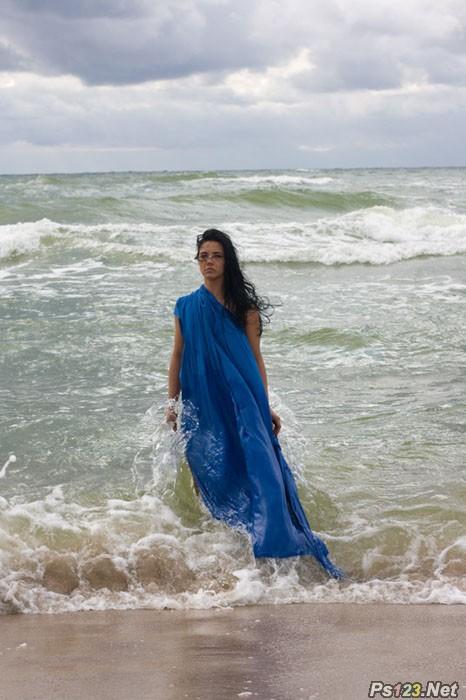 ps打造高清冷艳的海滩写真人物图片