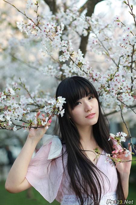 ps给樱花中的美女图片增加粉嫩的蜜糖色