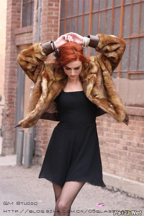 ps调出模特图片流行的欧美红褐色