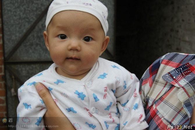 ps给可爱宝宝照片加上漂亮的淡青色