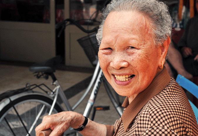 利用修复画笔快速减少老年人脸部的皱纹
