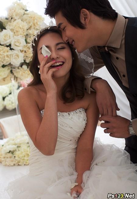 photoshop cs6 给婚纱照加上柔和的淡黄色调