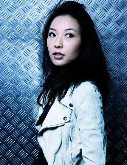 photoshop cs6 打造神秘的蔚蓝色人物图片调色教程
