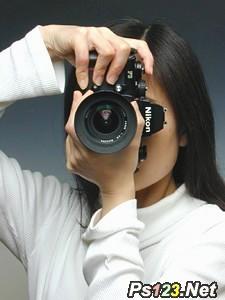 注意相机握持的方法 摄影入门基础知识