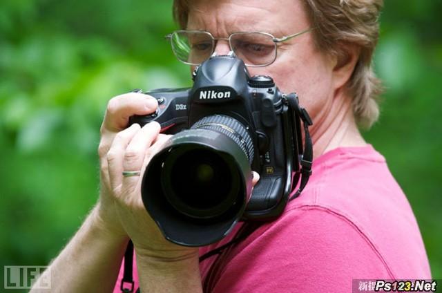 如何稳定地握持相机 三联