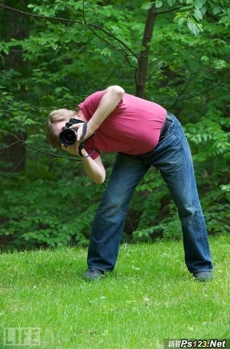 如何稳定地握持相机