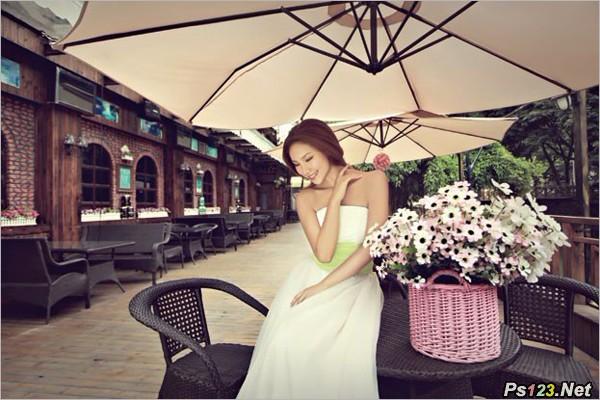 商业街拍摄婚纱照