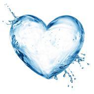唯美心形水滴背景图片