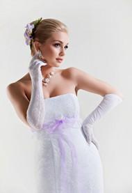 白色抹胸婚纱图片