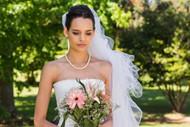 美女白色婚纱图片