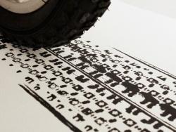 无所不能的艺术轮胎印刷海报