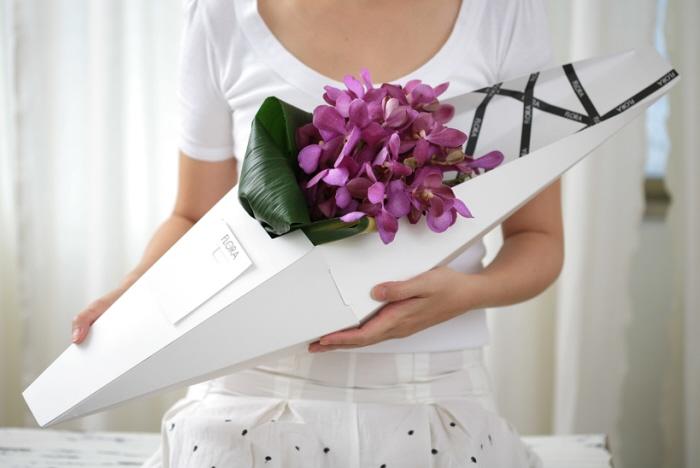 22个美丽的鲜花包装设计