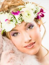 鲜花花环美女图片