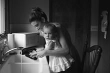 妈妈和孩子生活照图片下载
