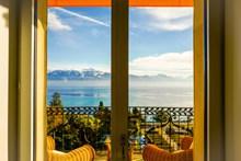 窗外海边风景高清图