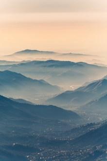 连绵群山唯美风景高清图片