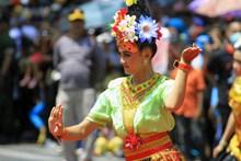 泰国跳舞美女图片下载