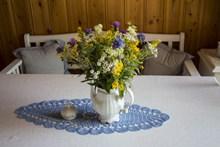 餐桌装饰插花精美图片