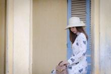 连衣裙亚洲女人图片素材