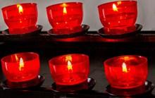 红色蜡烛火焰高清图