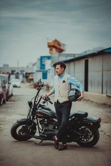 摩托车帅哥写真图片素材