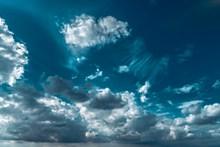 漂亮蓝天白云高清精美图片