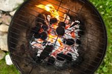 炭火烧烤小炉子图片素材