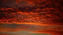 黄昏天空火烧云景观图片下载