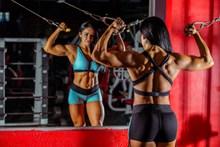 肌肉健身美女高清图片