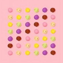 五颜六色冰淇淋球背景图片下载