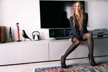 性感黑色蕾丝丝袜美女精美图片