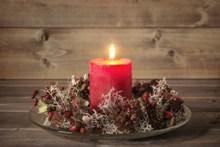 圣诞红色蜡烛火焰图片大全