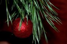 平安夜圣诞彩球图片下载