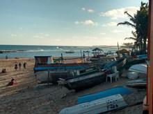 海滩小渔船高清图片