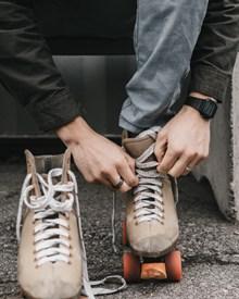 双排低帮溜冰鞋精美图片