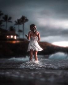 海边唯美意境美女背影图片大全
