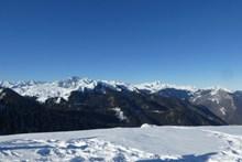 比利牛斯雪山高清图