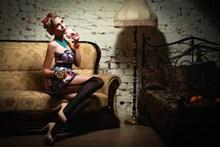 国模人体写真丝袜美女图片素材