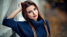 美女麻花辫发型精美图片