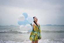 海边气质美女写真精美图片