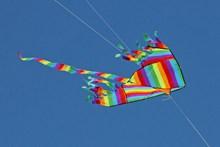 彩色风筝放飞高清图