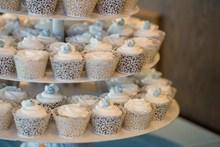 婚礼纸杯蛋糕精美图片